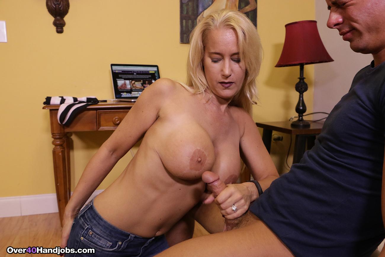 Sexy moms hand job tubes — photo 6