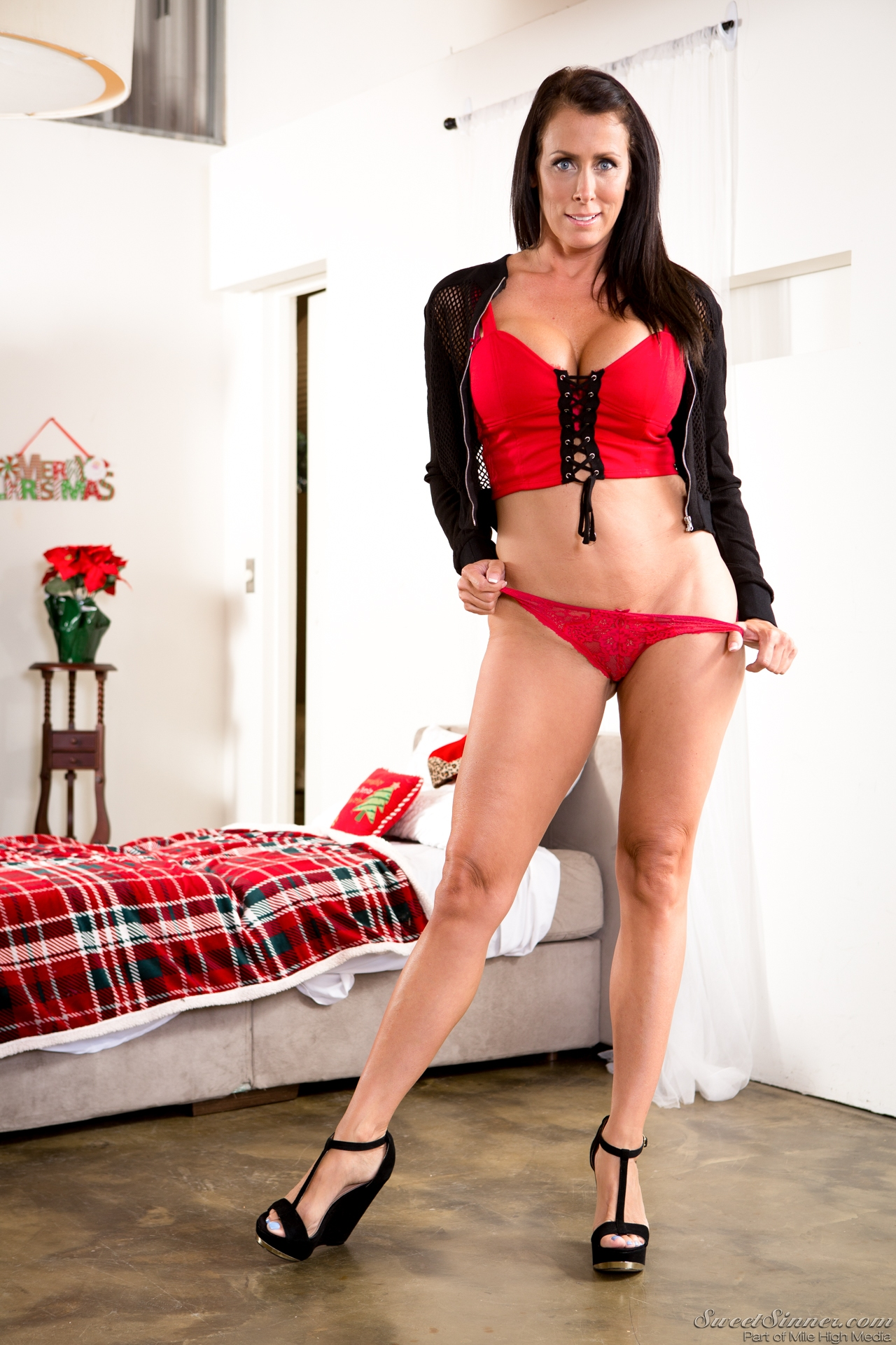 Reagan Foxx - My Stepson Gives the Best Gifts 121159