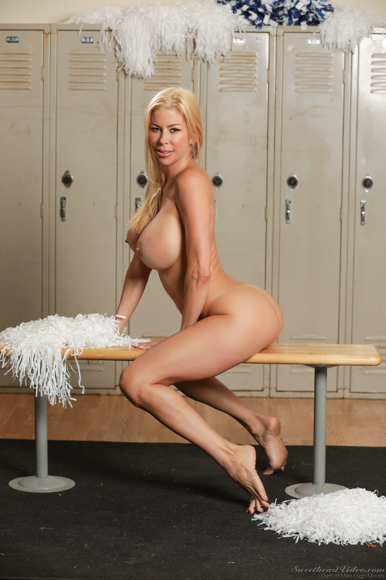 Alexis fawx will cheer you up 3