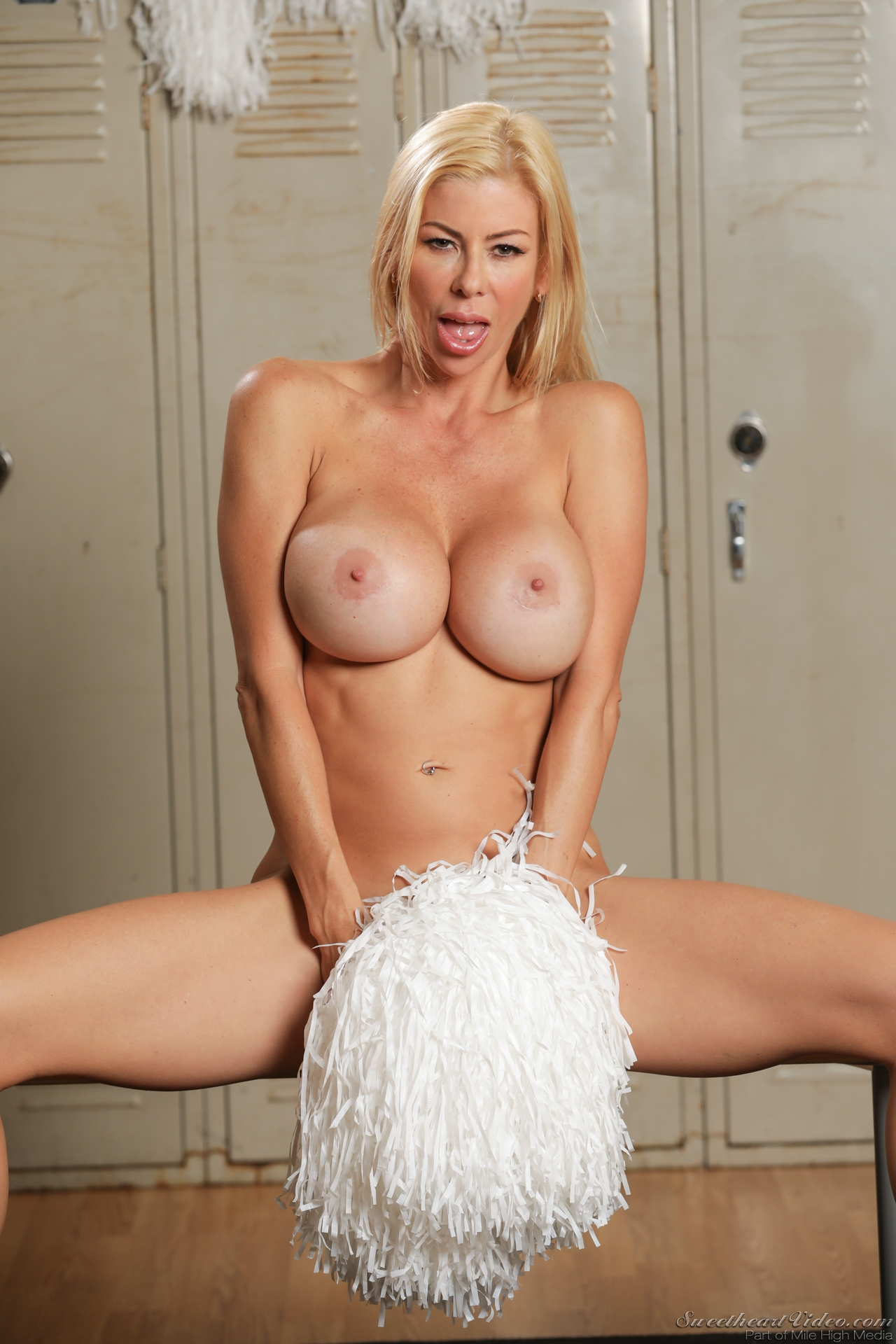 Alexis fawx will cheer you up 10