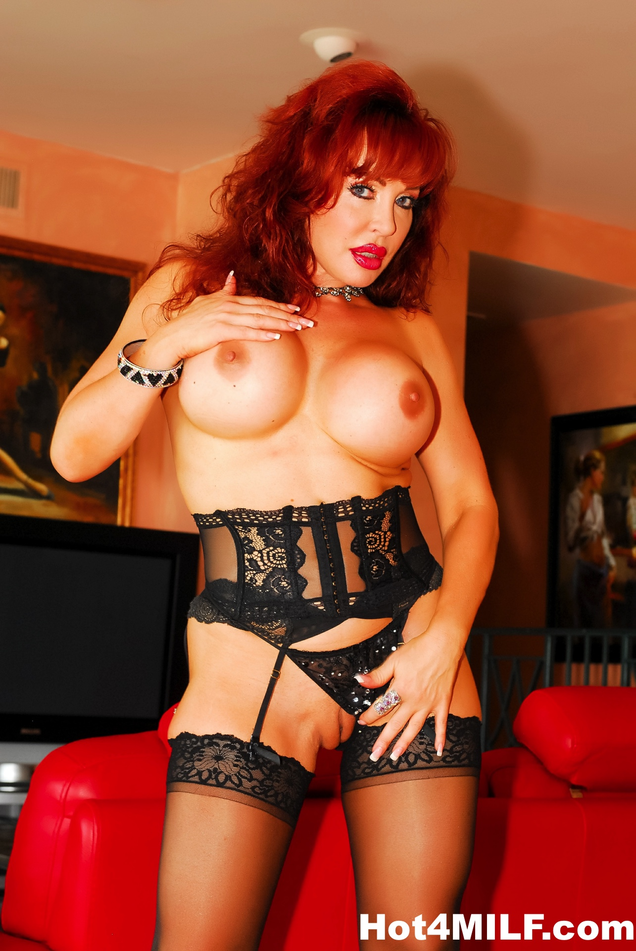Redhead Milf Shows Off Her Big Tits And Lingerie 124247-2746
