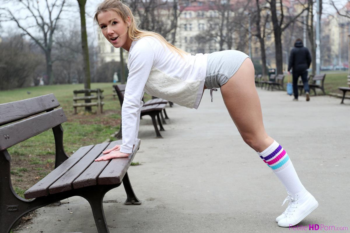 Alexis Crystal Porno alexis crystal - fitness ball fuck - s16:e8 124863