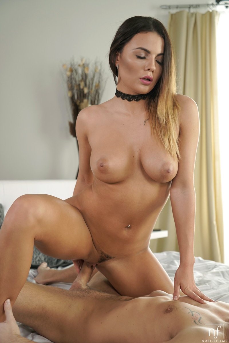 Vanessa Decker Xxx