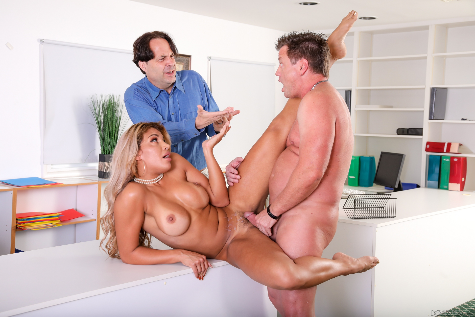 Horny Teen Maid Is Fucking Her Elderly Employer, Instead Of Properly Doing Her Cleaning Job