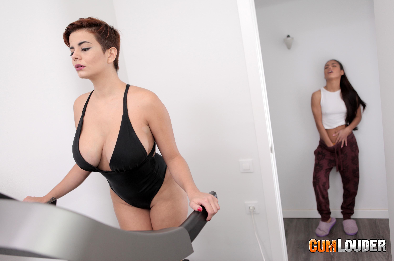 Amaranta Hank - Girl-on-girl roommate affairs - CumLouder