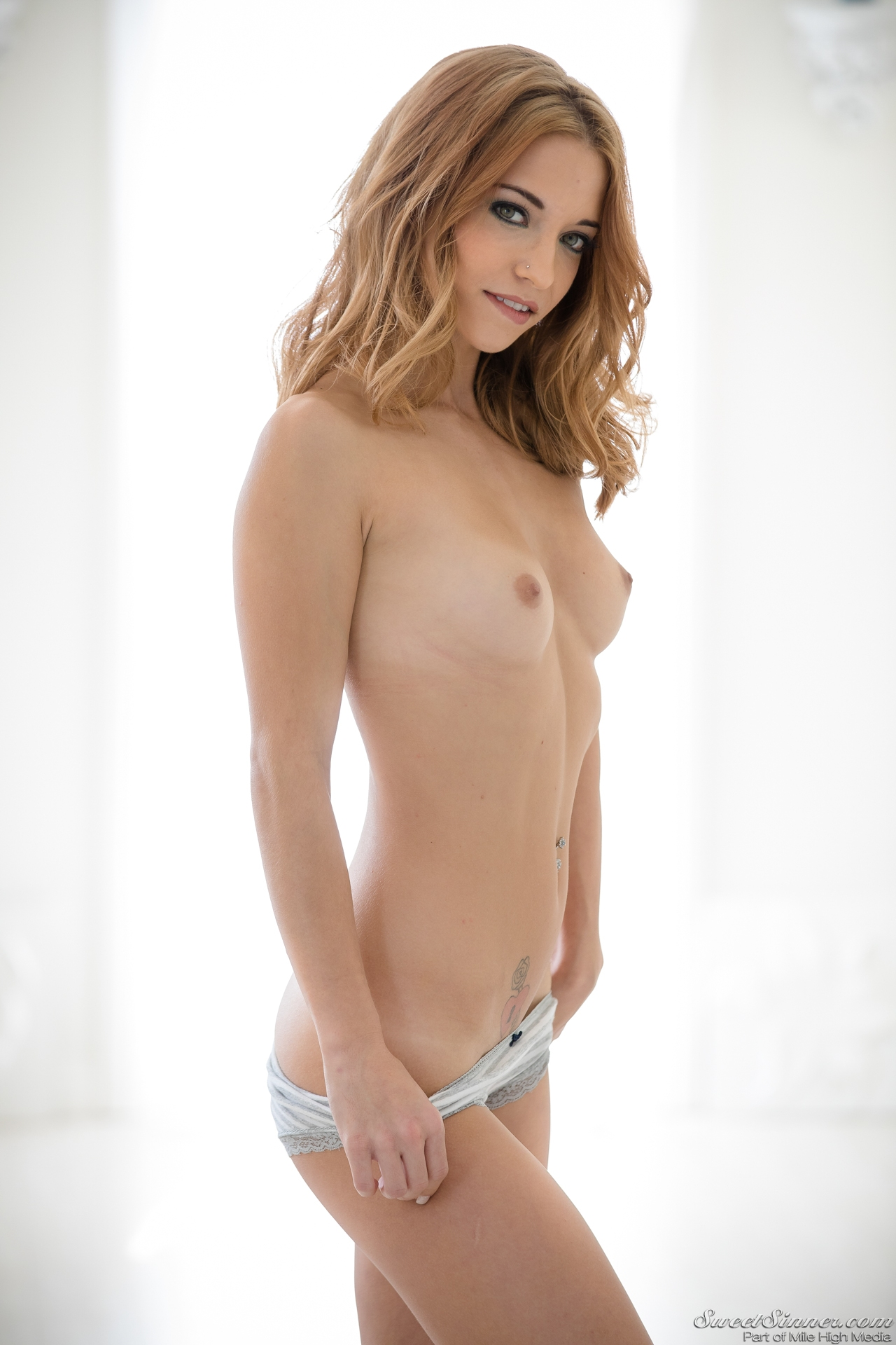 Stars Rae Naked Scenes