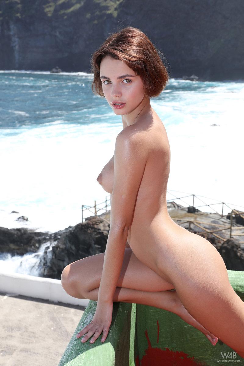 girls nude selfy young