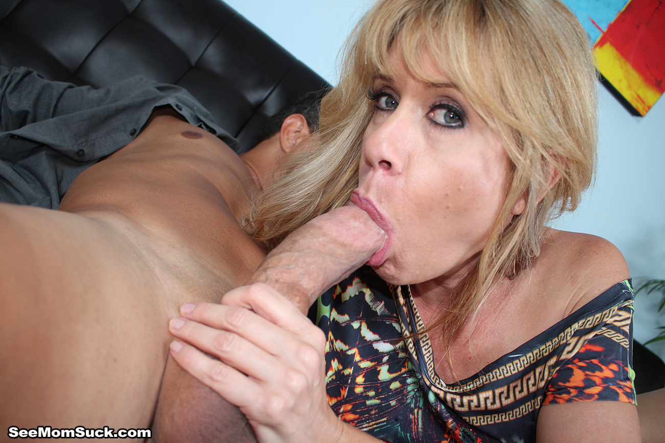 Sexy bbw milf gives stud sloppy blowjob