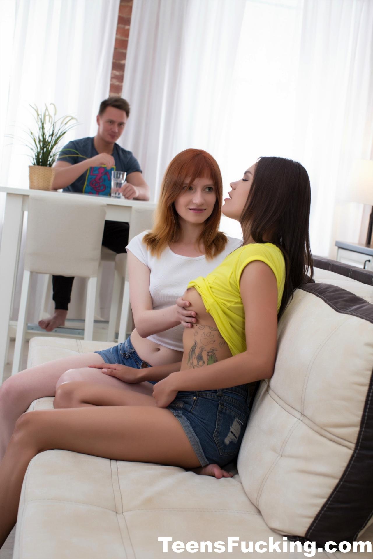 Teen Blonde Brunette Threesome
