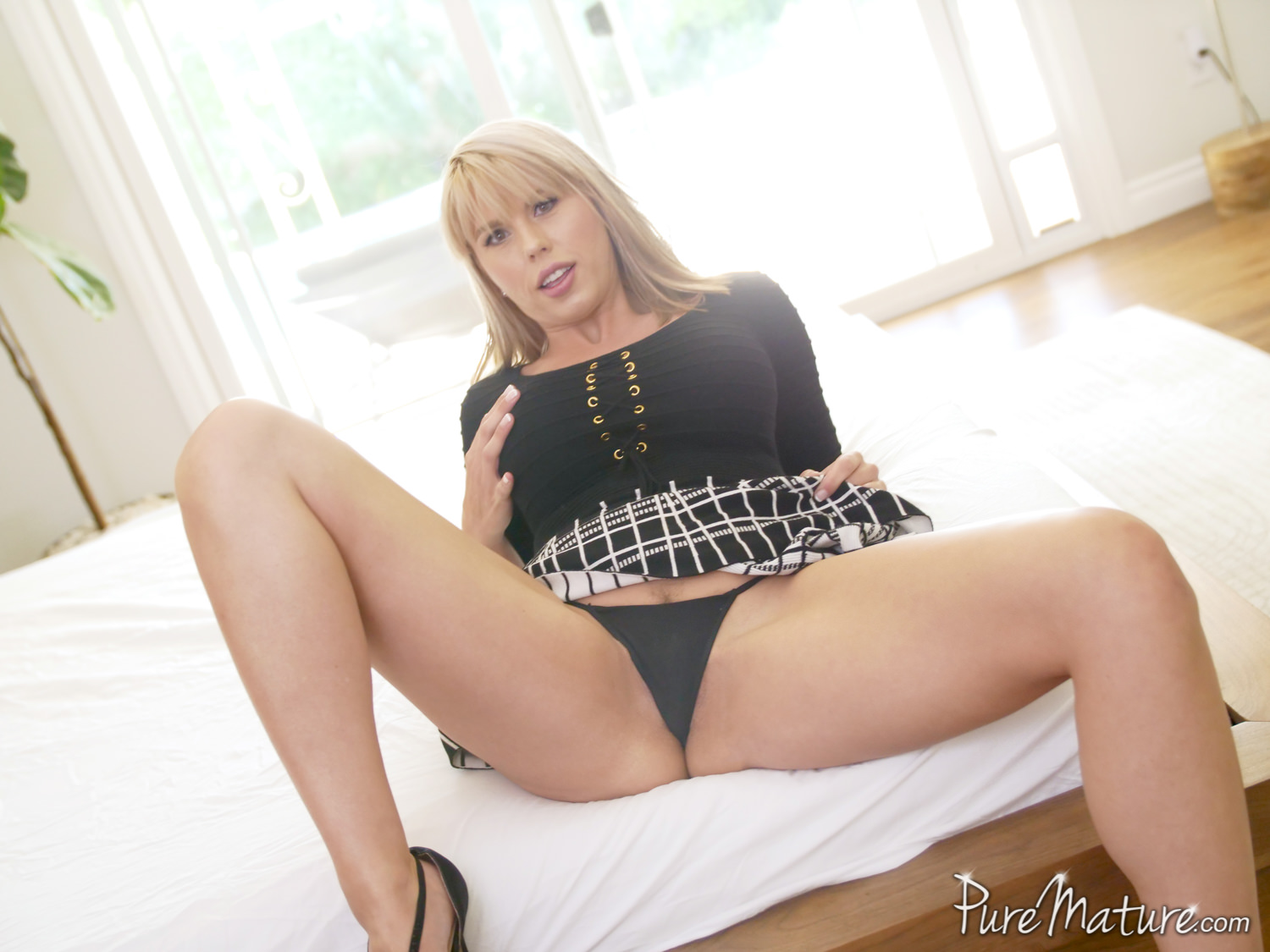 Amber Mature Porn amber chase - on probation - pure mature 133273