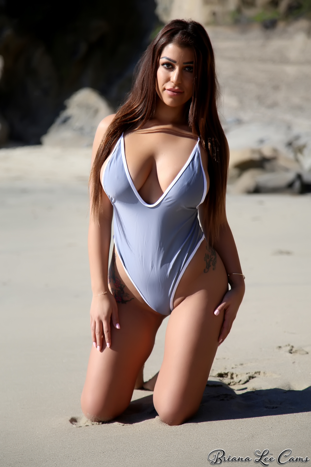 Hot babes in tight swimsuits