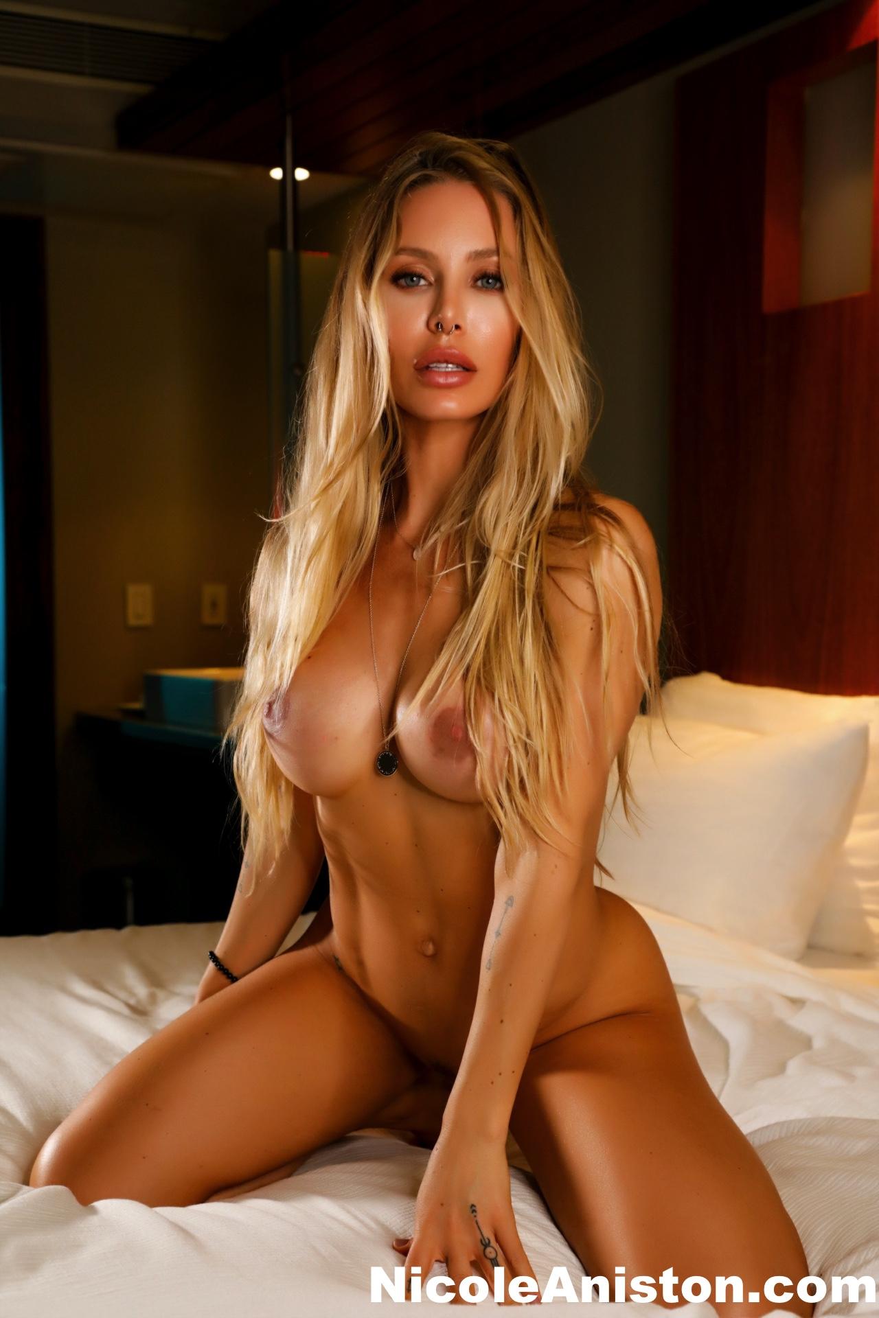 Sexy nicole aniston 41 Sexiest