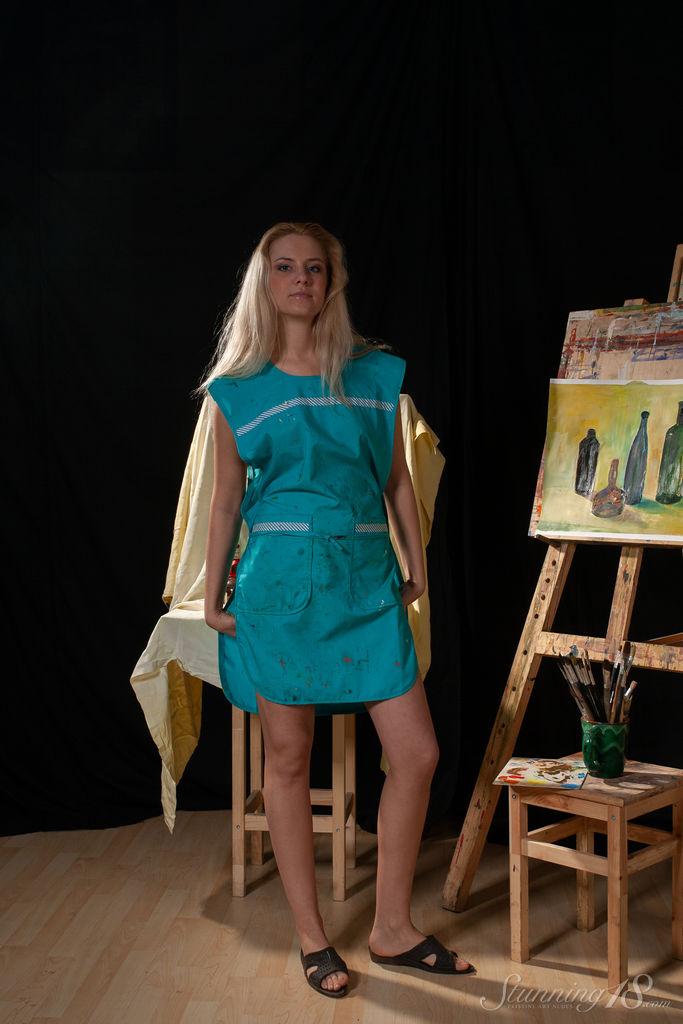 Agnes H - Naked Artist - Stunning 18 142840