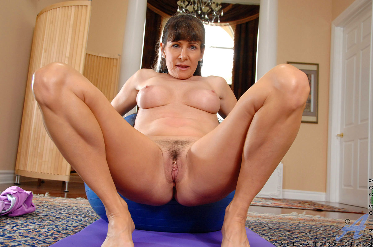 mindy naked from spogebob