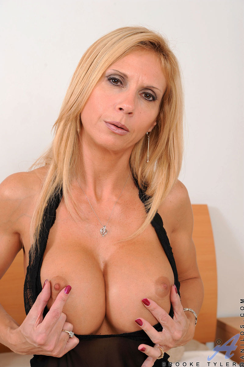 Hot milf alina is licked and fucked well 2