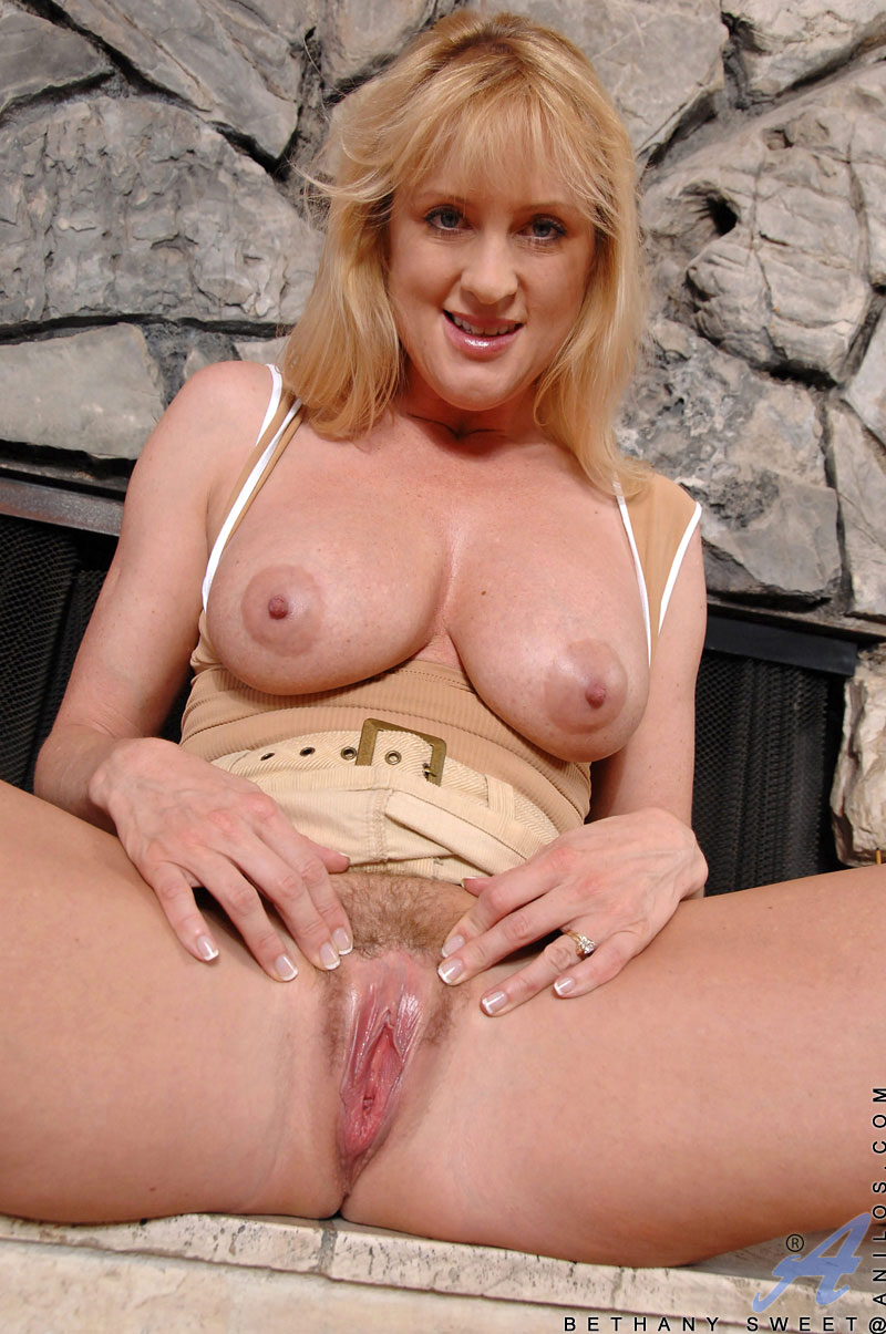 Blonde samantha rone is fucked outside 4