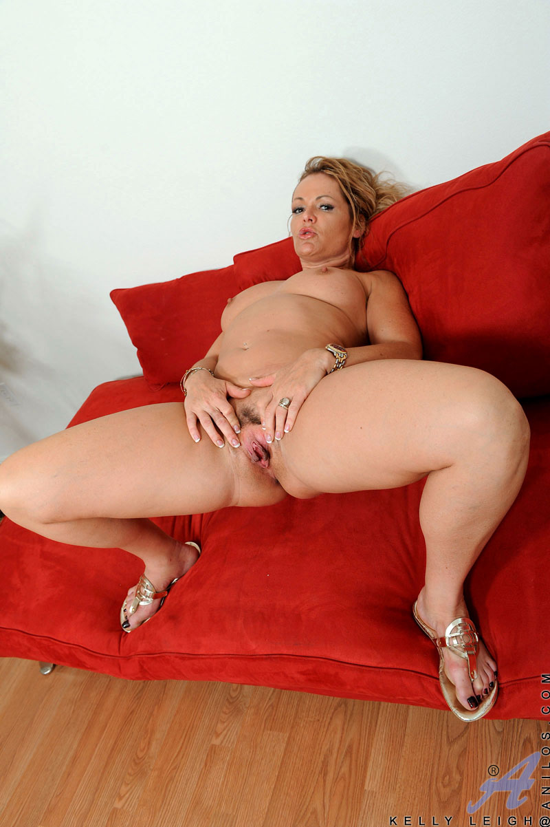 Milf in pantyhose jane showing