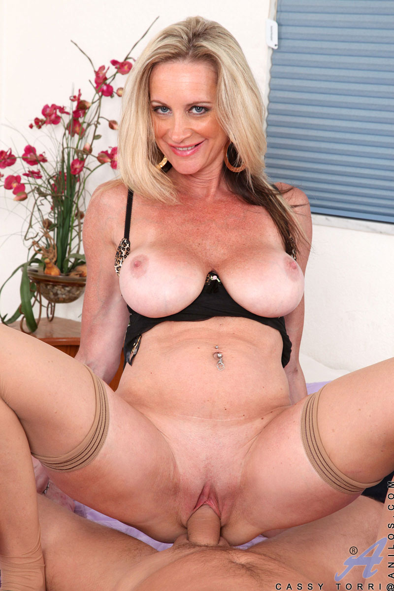Hot milf with big tits gets her throat fucked good dtd 10
