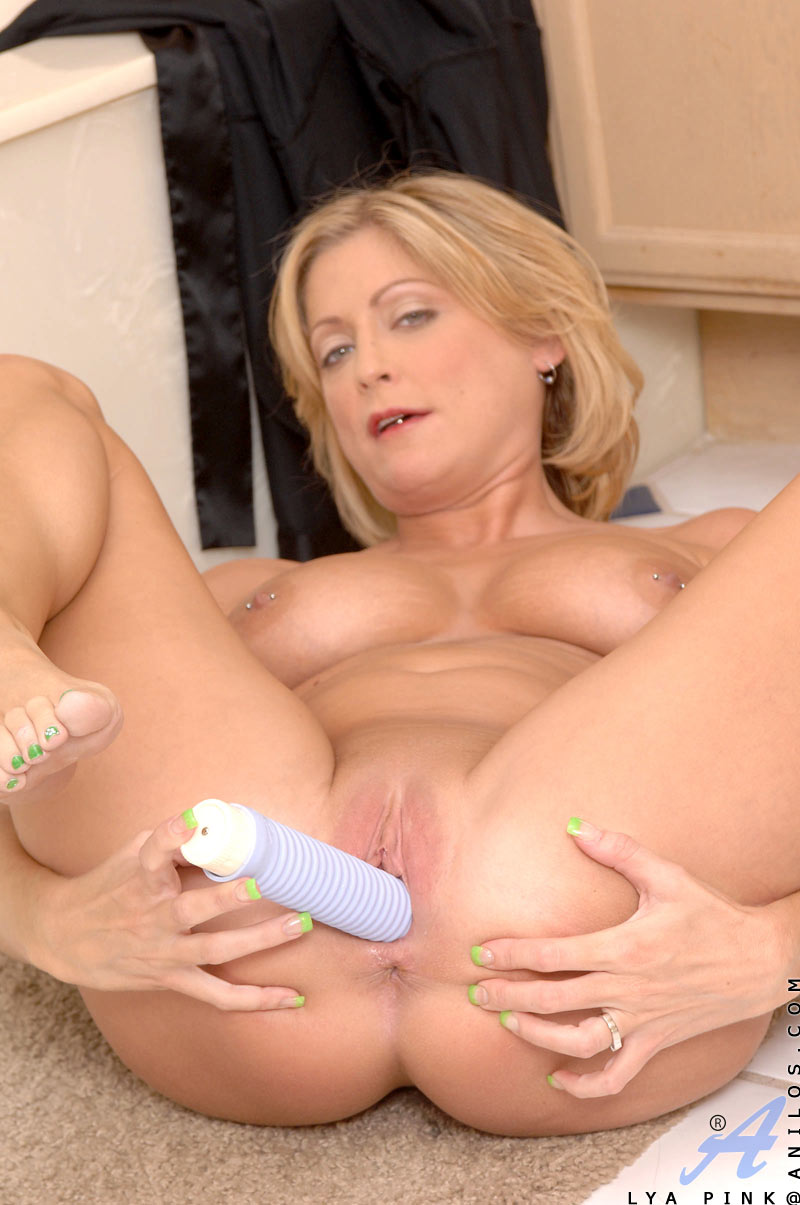Pure interracial bliss with sweety harley dean - 1 9