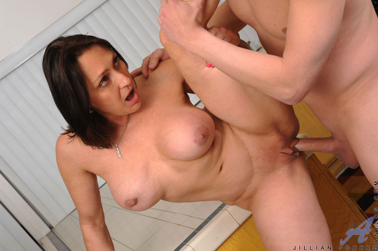 Jillian foxxx free milf videos — pic 3
