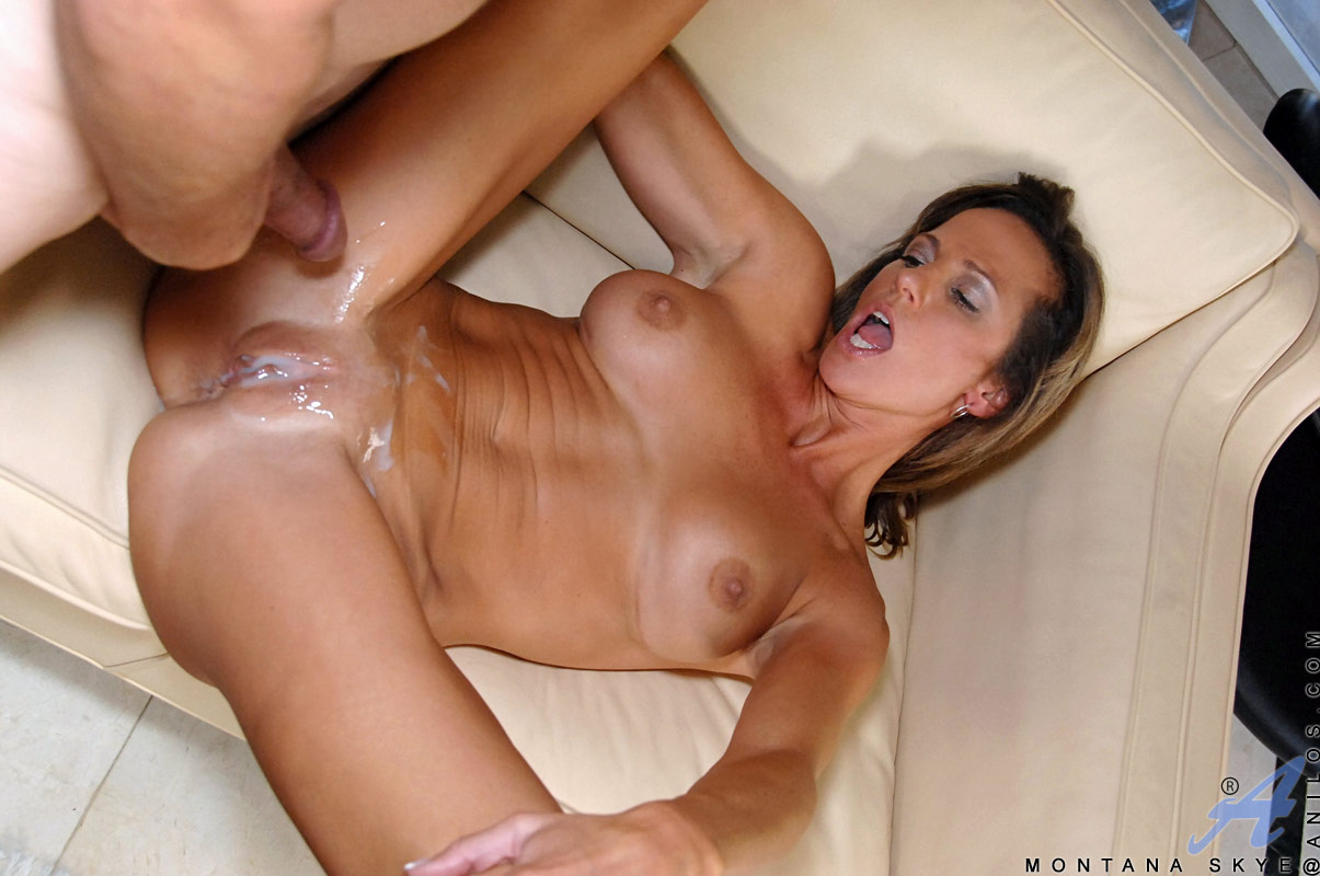 Rachel Roxx Dripping Cum From Her Pretty Face
