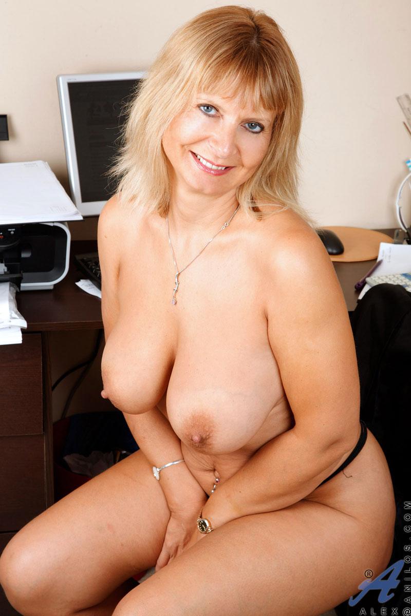 Голые зрелые матюрки фото, сайт лосанжелес порно лесби
