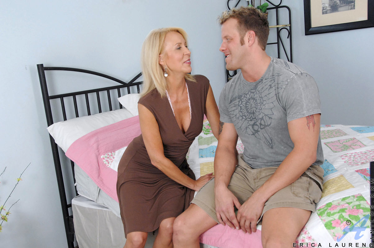 image Best stepmom bea cummins gets fucked hot hot son039s friend