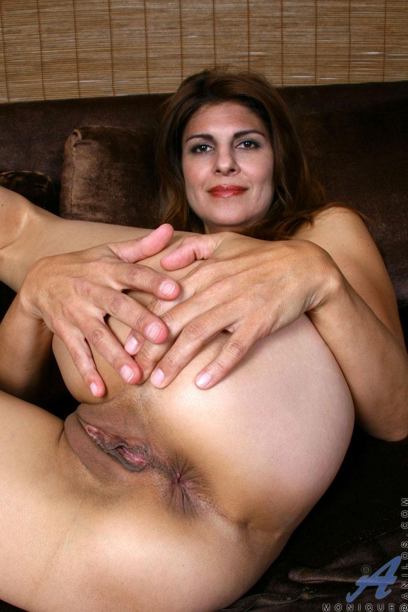 Lesbians clit eating
