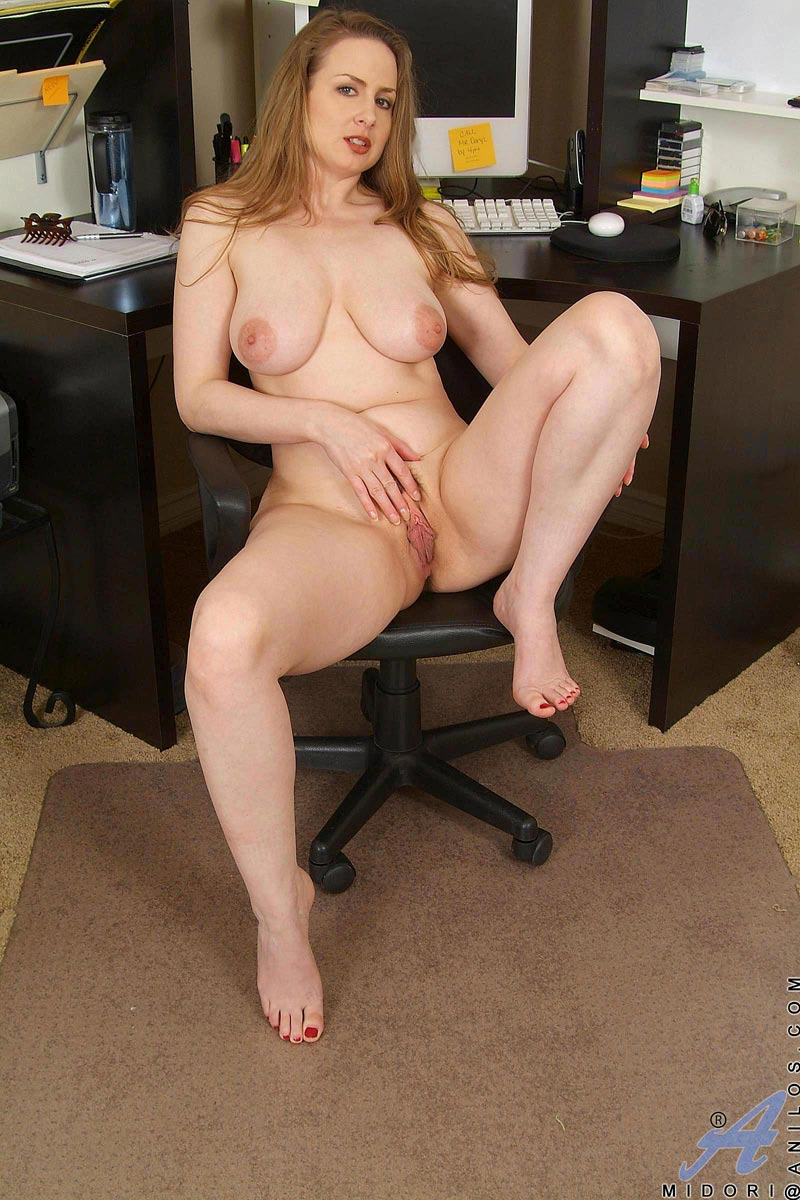 Hot milf tiffany office break pussy play 2