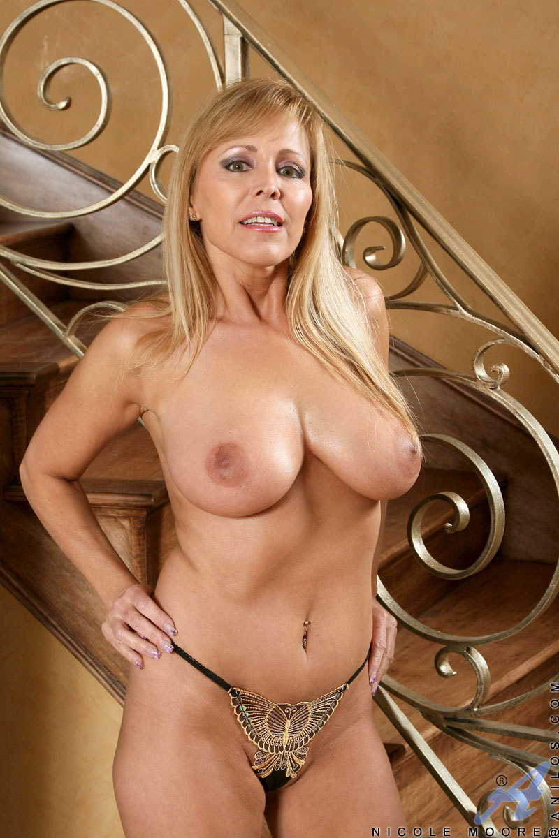 Hot blonde mom rebecca jane smyth playing with herself