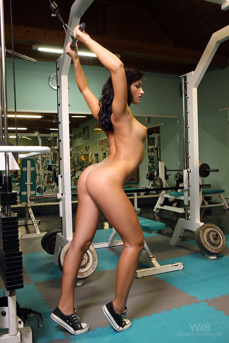 Красивые голые фитнес девушки