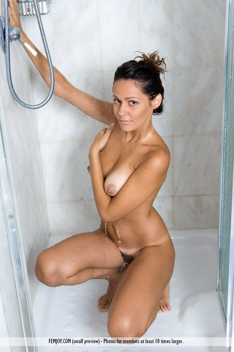 Pornimage pixie italian girl nude vegina photo derek naked