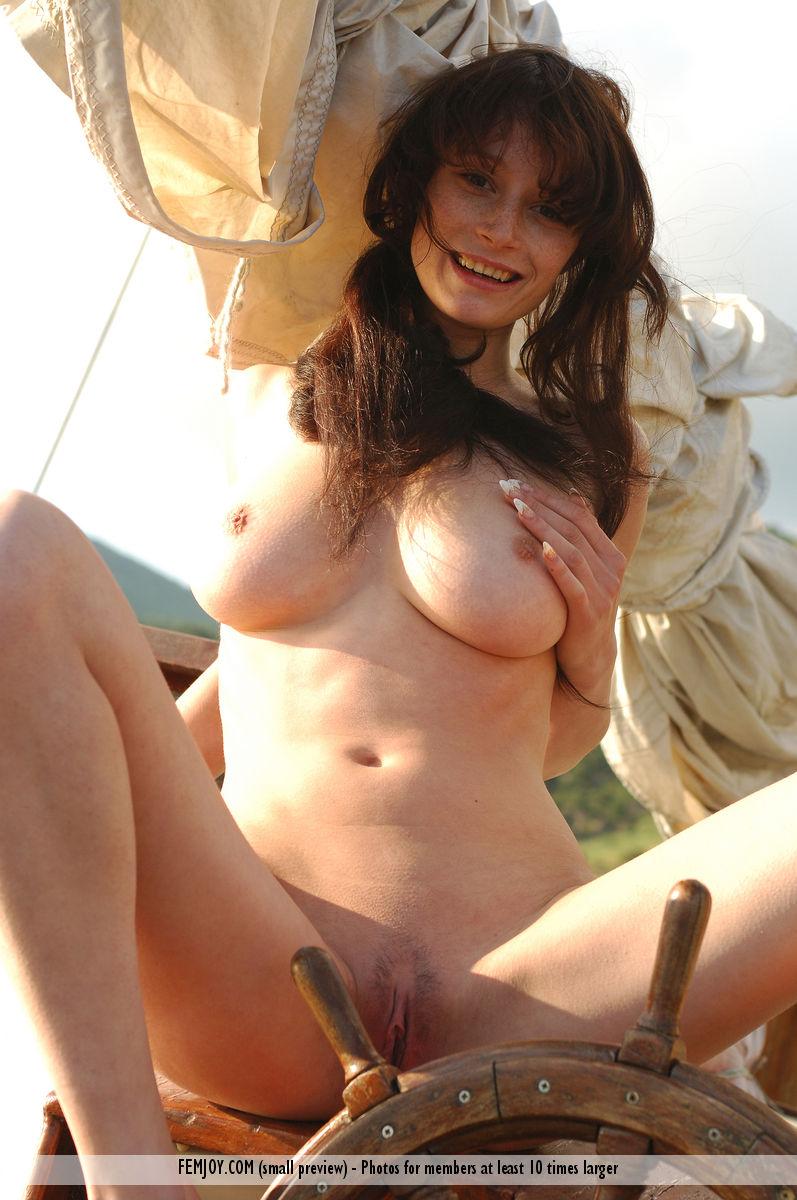 Порно фото голых пиратских девок