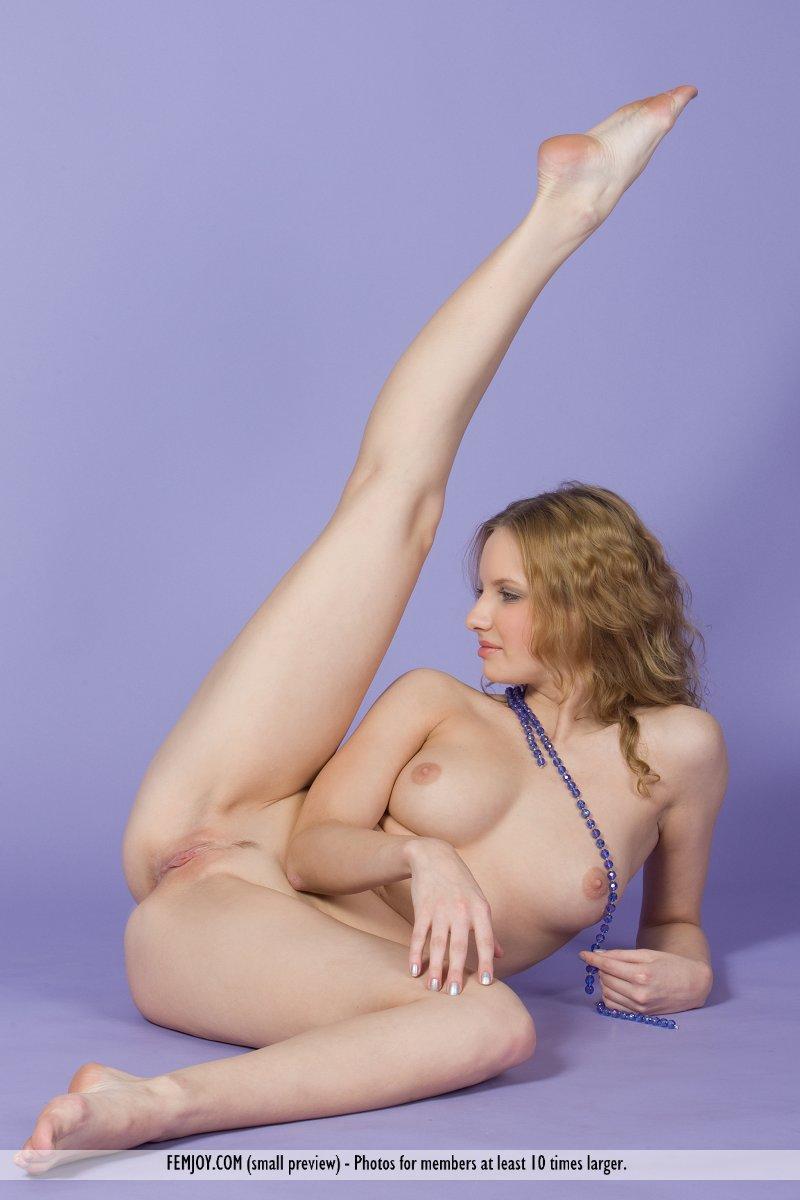 Fake nude violetta