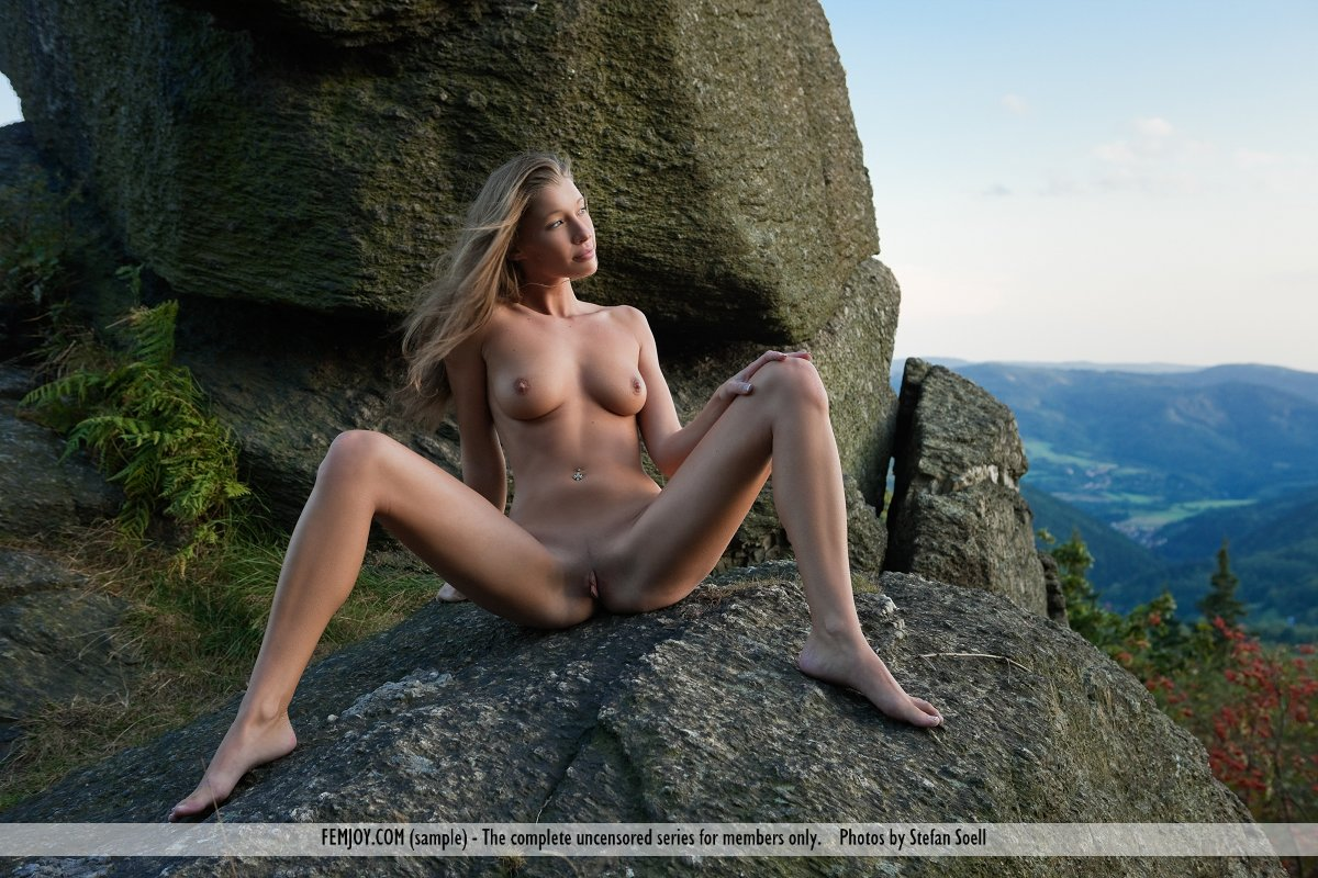Nude Women In The Mountains