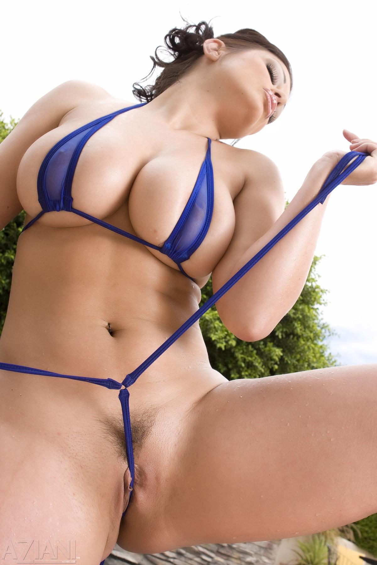 порно фото толстушек в мини бикини