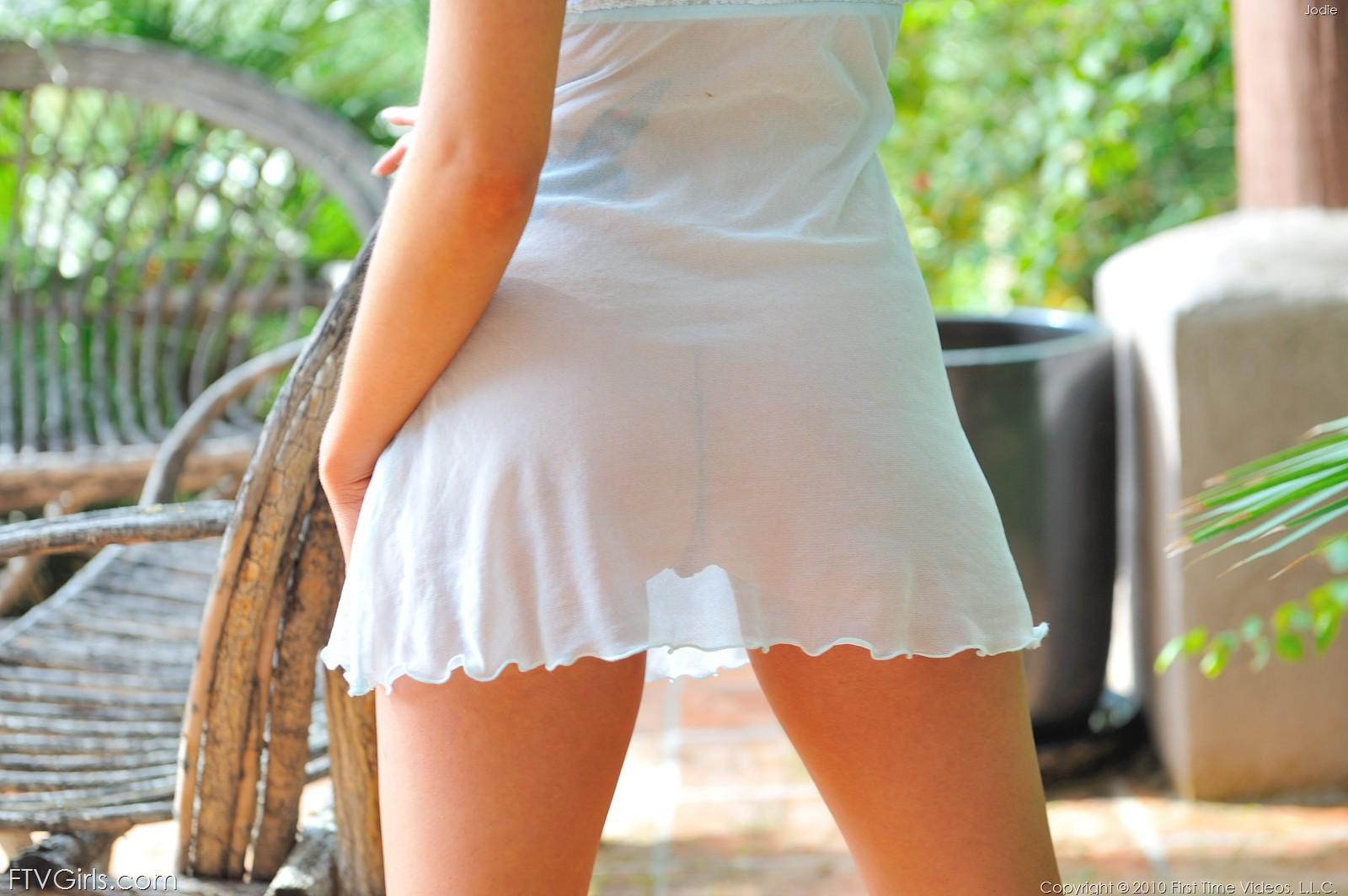 Фото юбках фото прозрачных порно в девушки