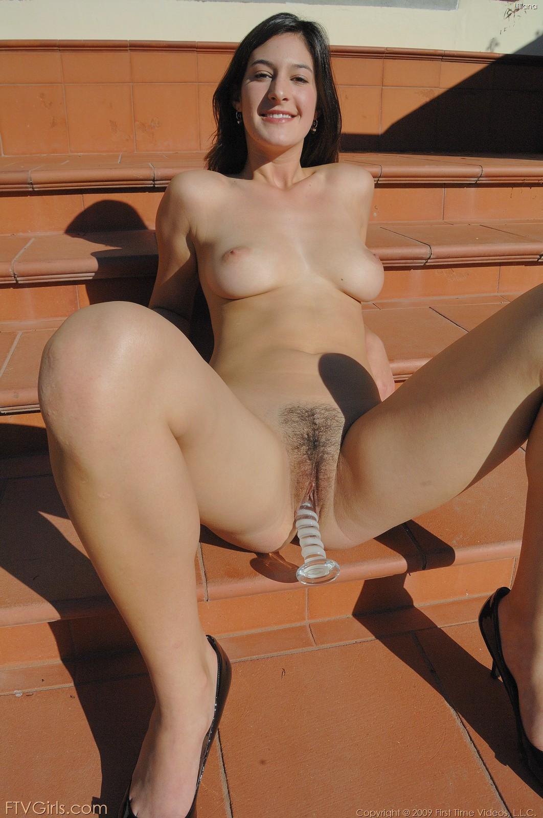 Lilian ftv girls nude, piss on people