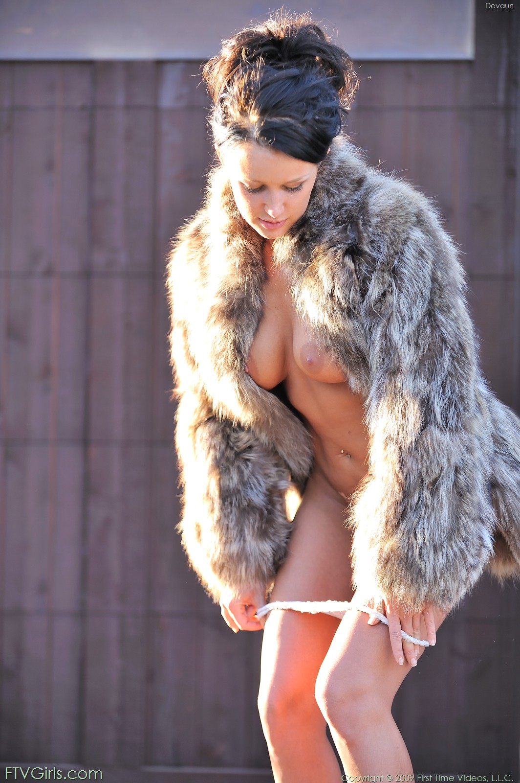 Fur Coat And Mask Mutual Orgasm On Top