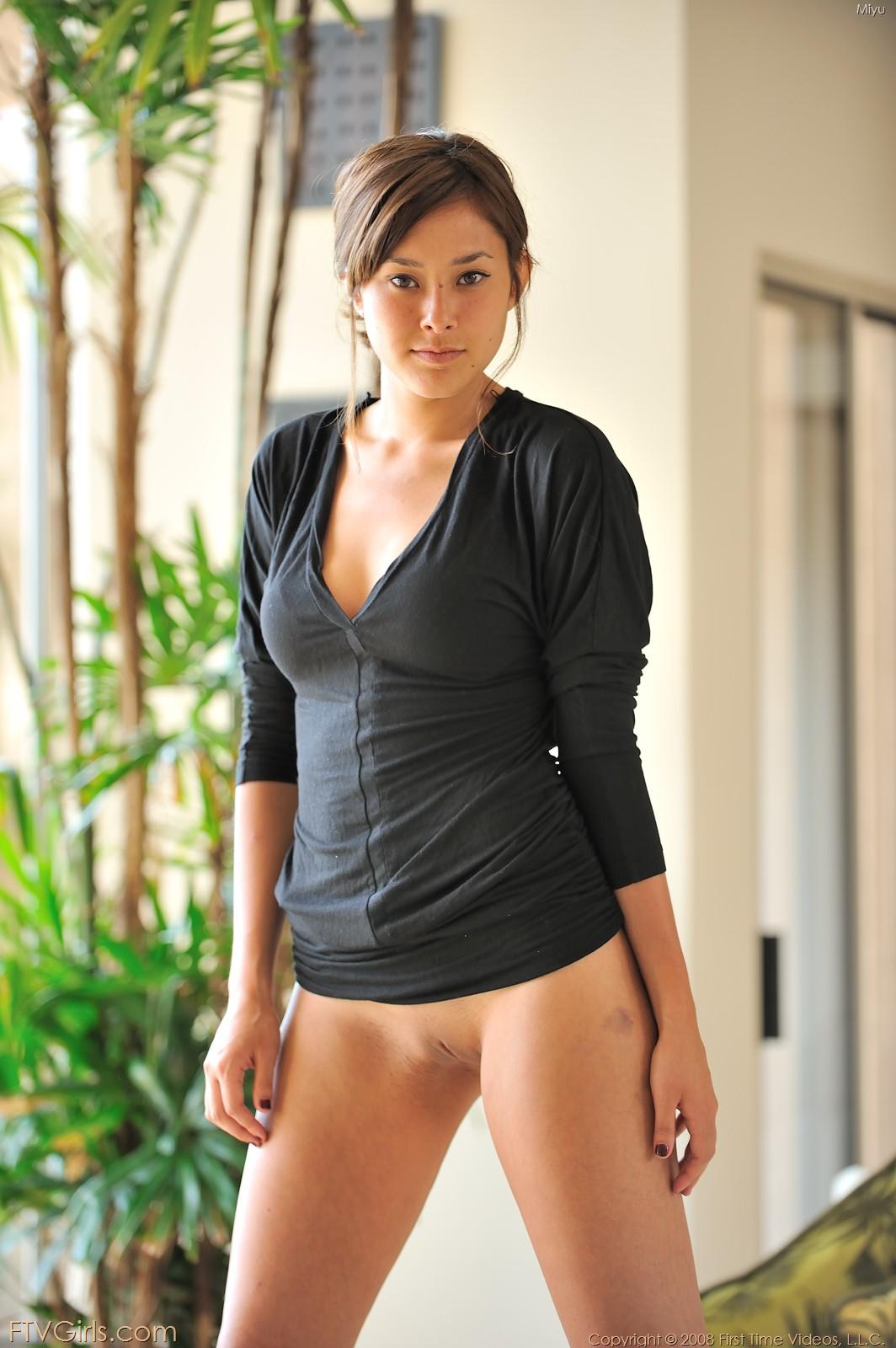 Sexy bottomless asian girl, belanda porn