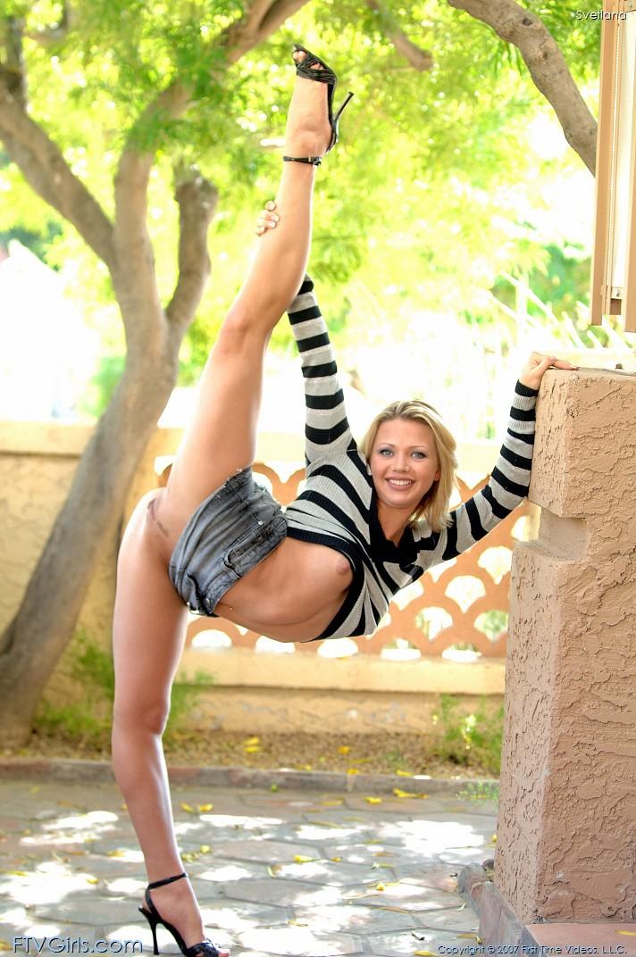 гимнастки без трусов фото