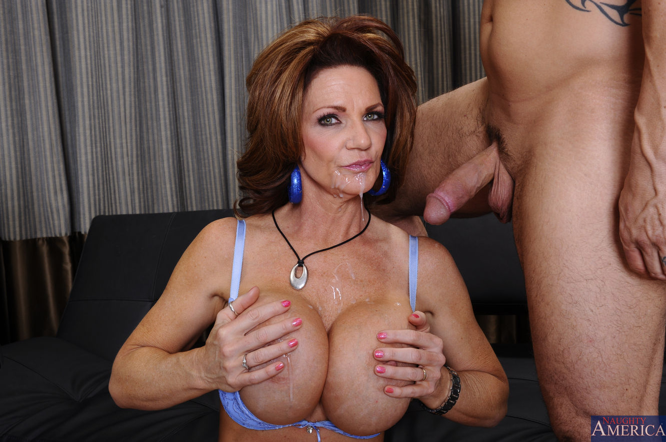 Deauxma - Seduced By A Cougar 32762