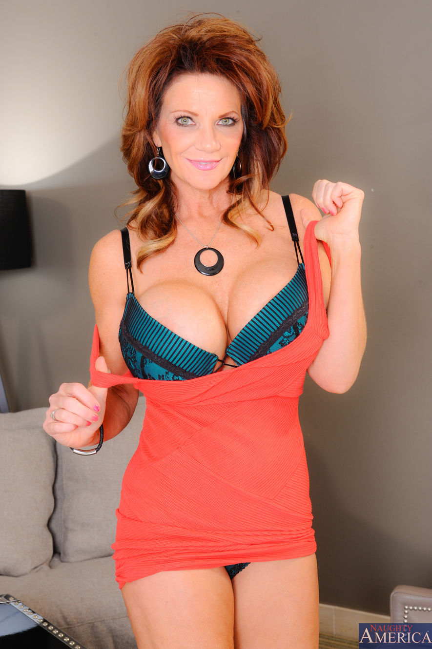 Deauxma - My Friends Hot Mom 32797-2308