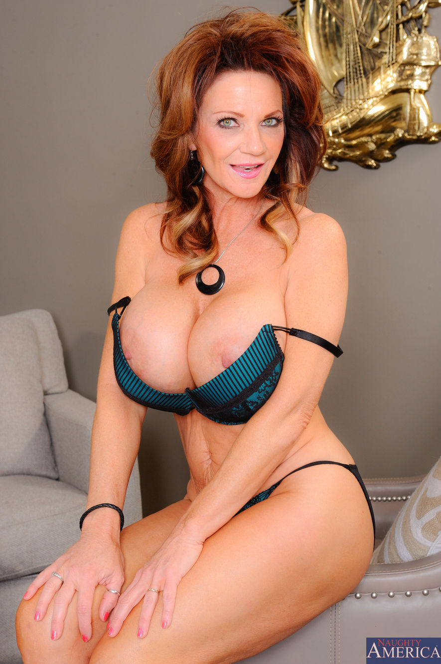 My friends hot mom deauxma
