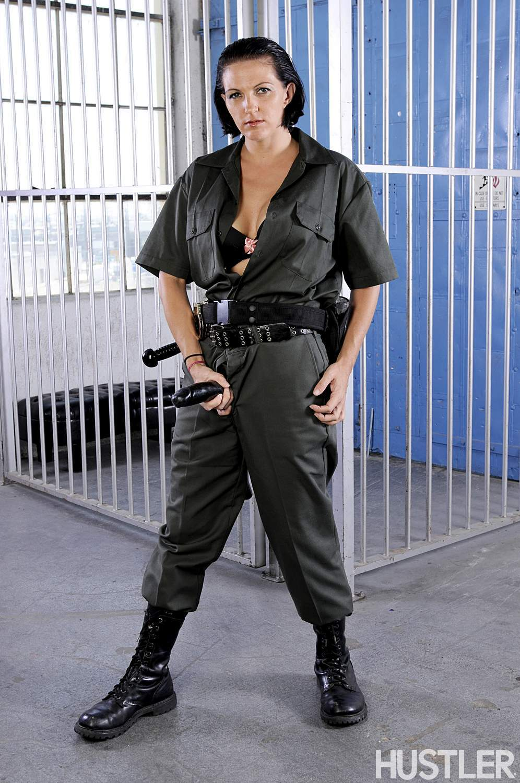 Fired Up At Usc >> Roxanne Hall & Kara Price - Locked Up 33940