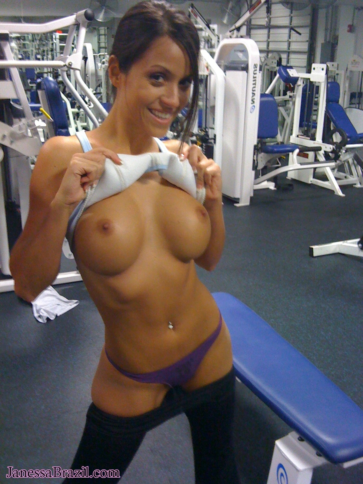 Janessa Brazil - Nude Hot Gf College Girl At Gym 34036-9903