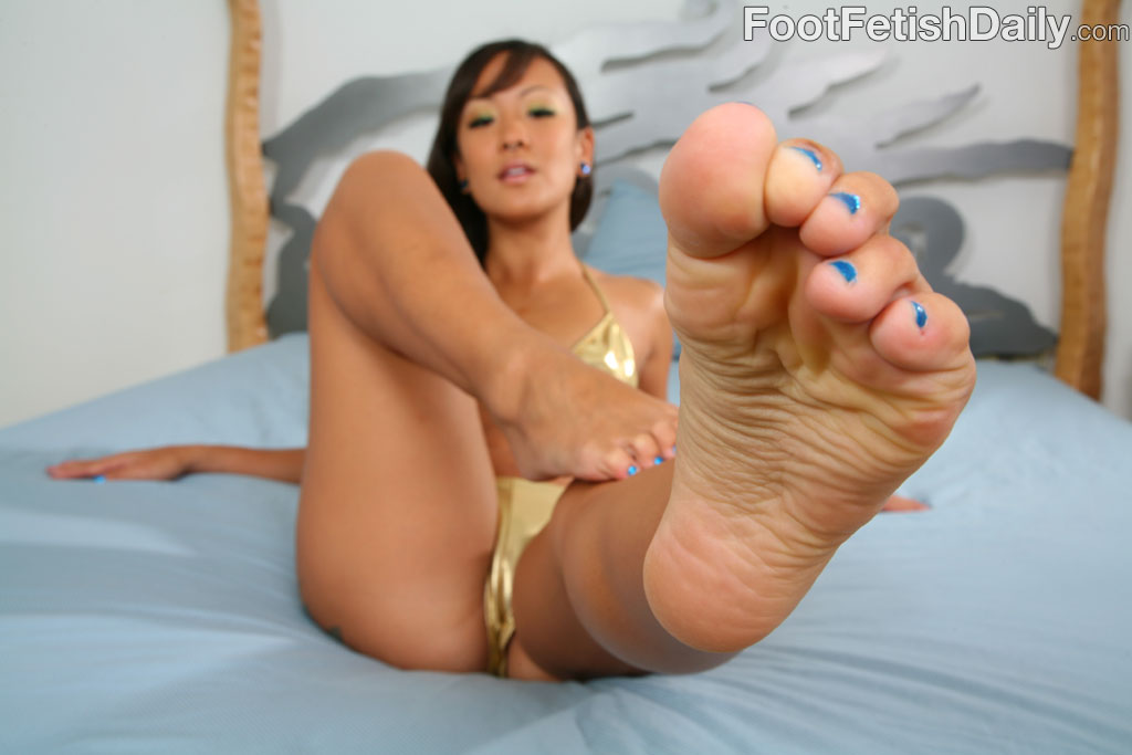 Subby Girls Feet Worship