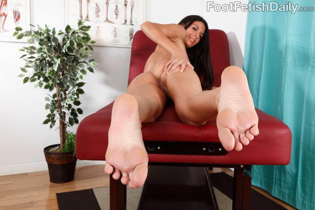 Milf Nikki Foot Worship