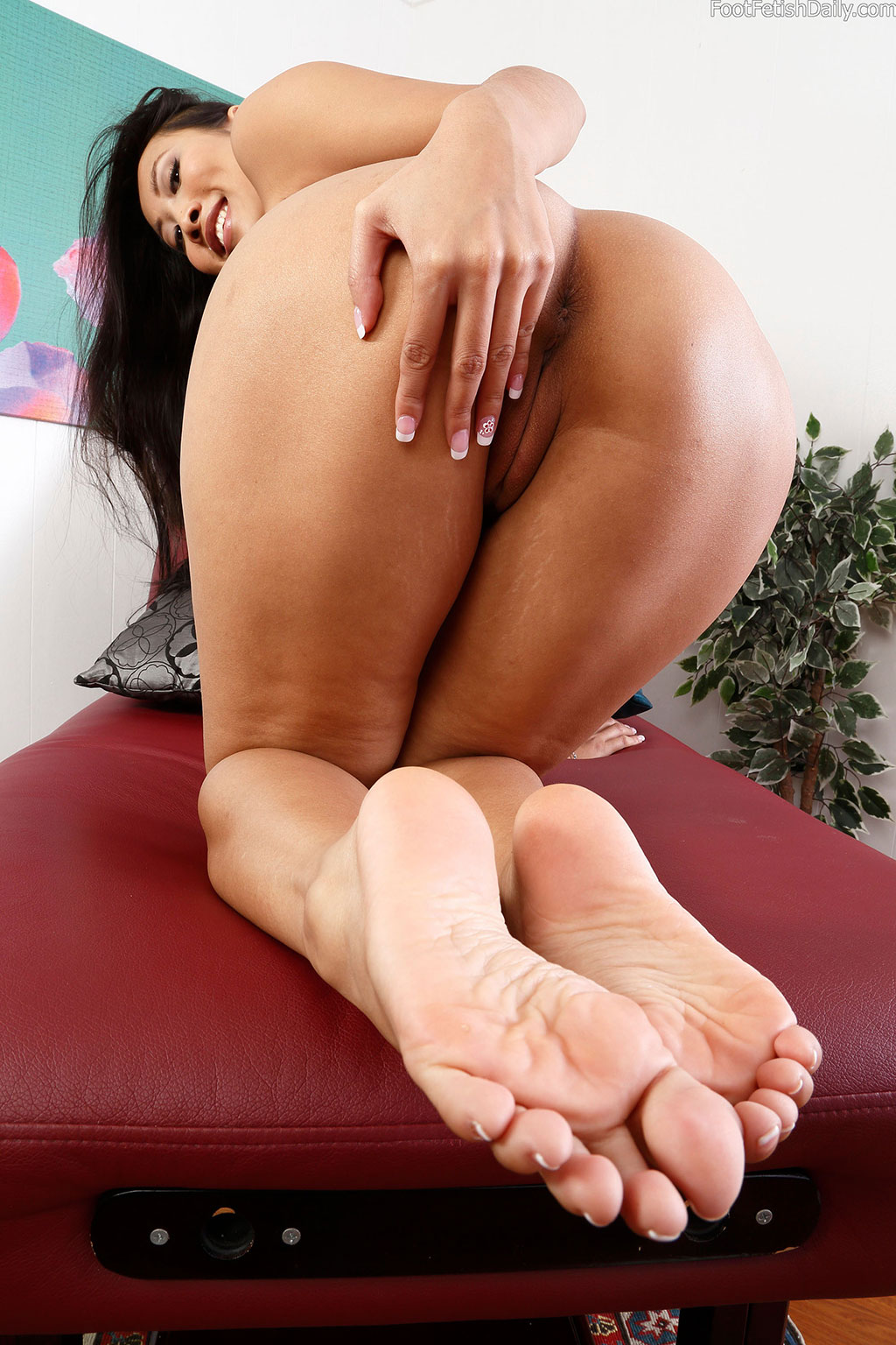Asian Teen Talking About Foot Fetish