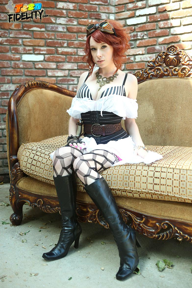 Steam Spunk - Zoey Nixon 35166